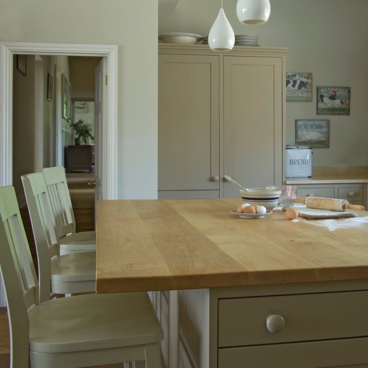 Esszimmer mit farrow and Ball Lack in Estate Eggshell