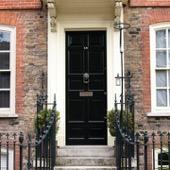 Tür mit Full Gloss von Farrow and Ball gestrichen